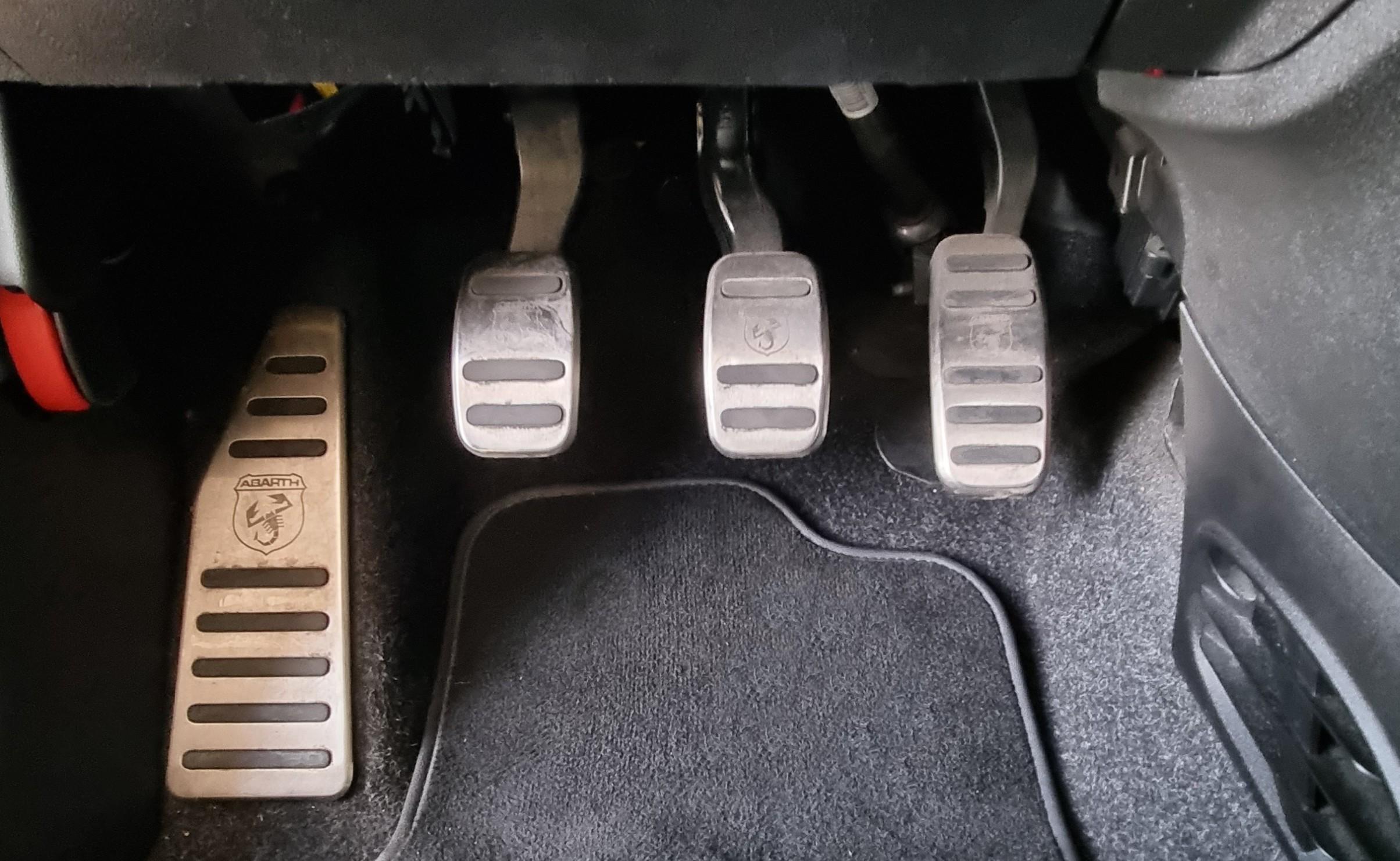 FIAT ABARTH 595 1.4 TURBO T-Jet