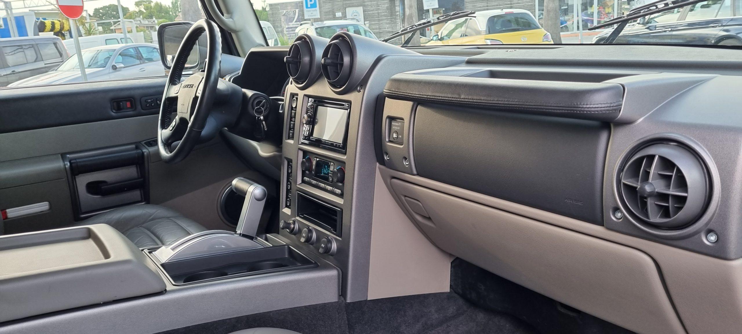 HAMMER H2 6.0 V8 Luxury